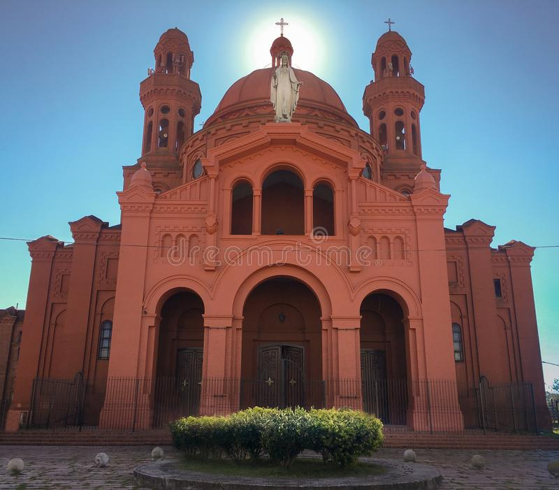 Gammal och stor katolsk fristad av segern arkivfoto