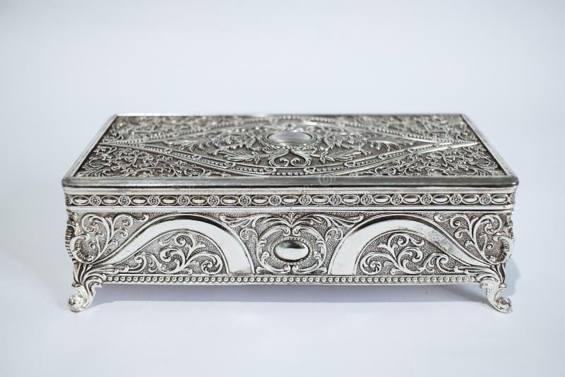 Gammal och vintage steel mini jewelry box royaltyfria foton