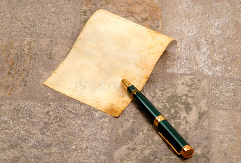 gammal paper penna mycket royaltyfri bild