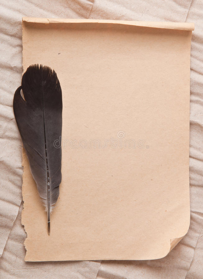 Gammal papper och penna arkivbild