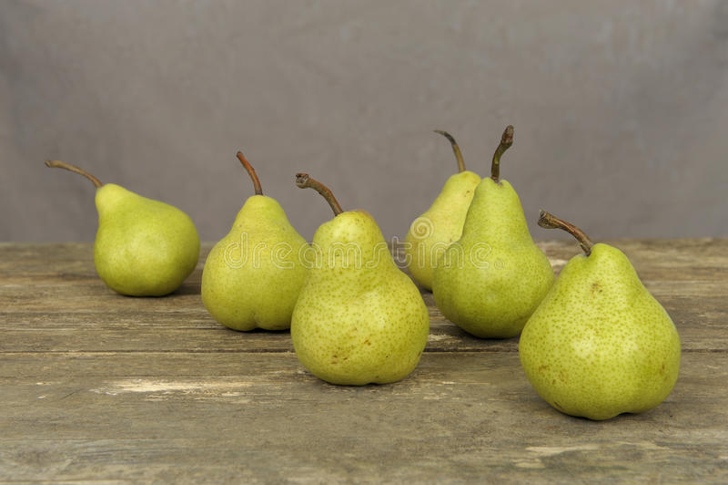 gammal pearstabell arkivfoto
