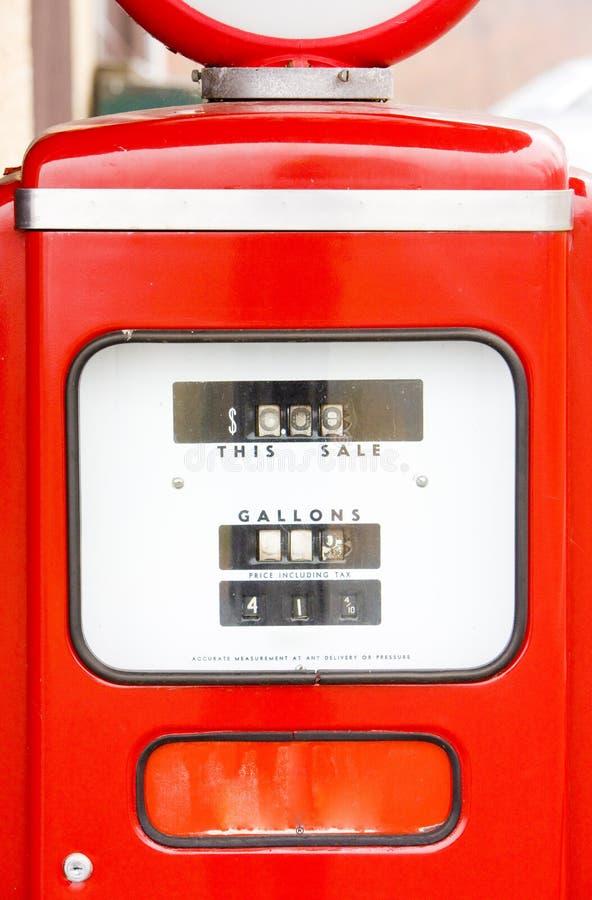gammal petrolstation royaltyfri bild