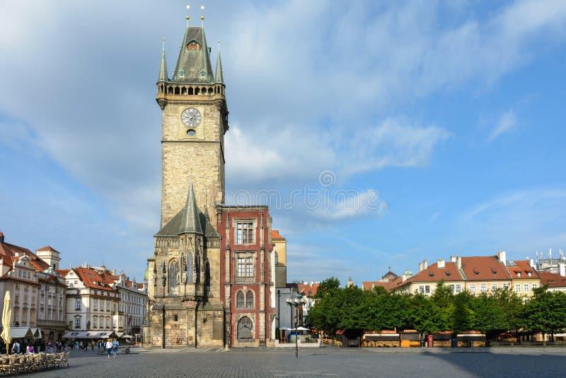 gammal prague f?r korridor town Symbolet av staden Komplexet består av flera hus som är närgränsande till den gamla stadfyrkanten royaltyfria foton