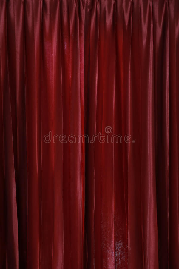 Gammal röd gardin fotografering för bildbyråer