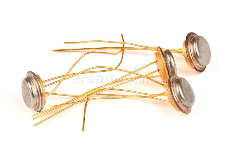 Gammal radiodel, halvledaretransistorn med kontakterna som täckas med guld royaltyfri bild