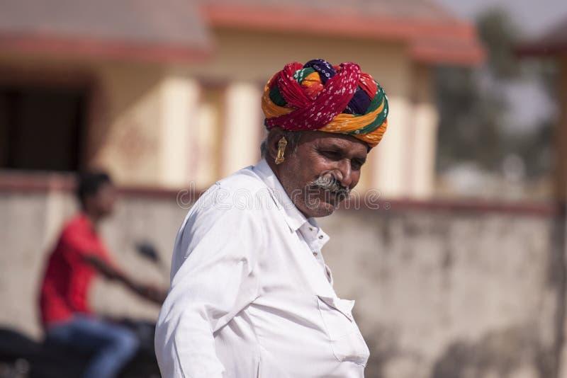 Gammal Rajasthani man från Mela, Indien arkivbild