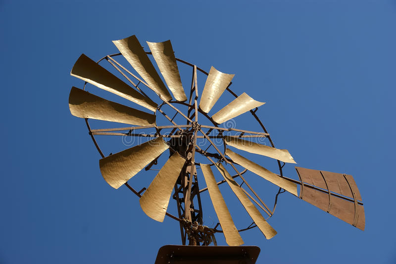 Gammal ranchwindmill arkivfoton