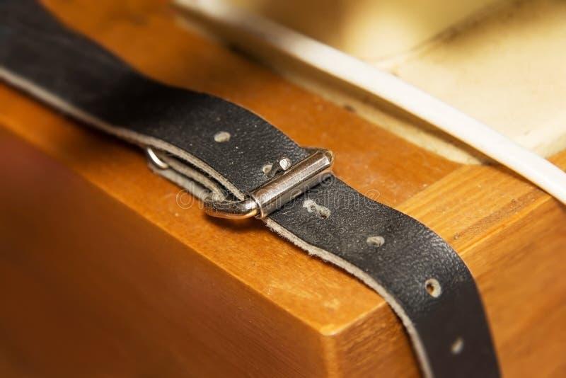 Gammal rem för äktt läder royaltyfri fotografi