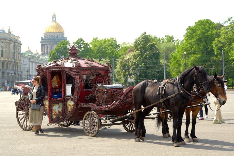 Gammal Retro vagn royaltyfri fotografi