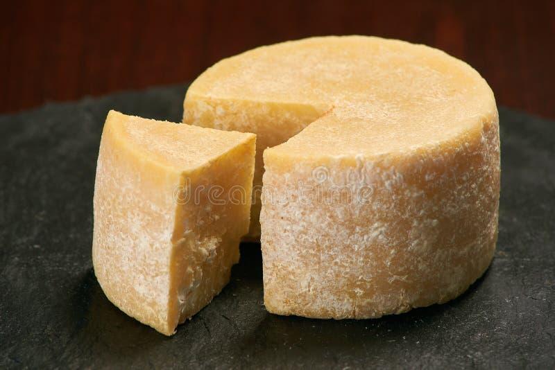 Gammal riden ut ost på en stenplatta arkivbild