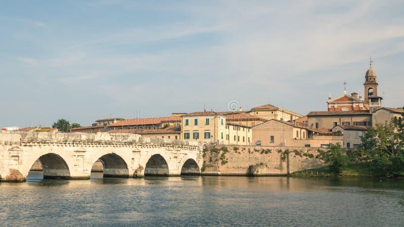 Gammal roman bro i Rimini royaltyfria foton