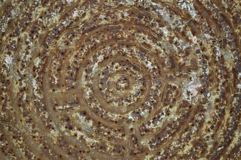 Gammal rostig manhole arkivbilder
