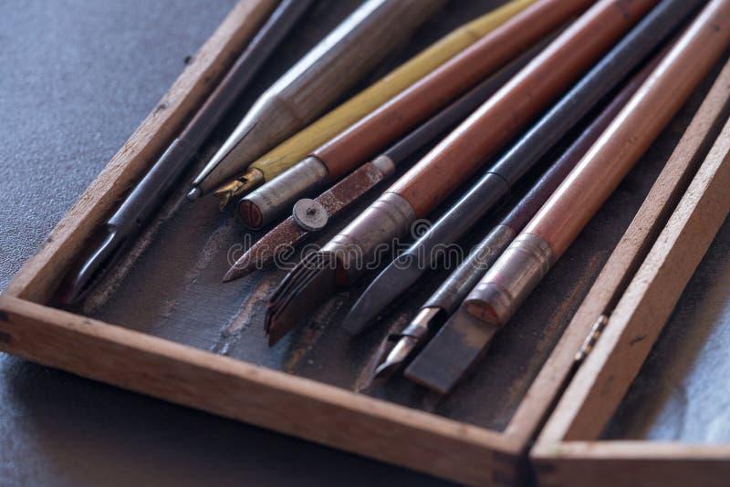 Gammal skola, skissning och teckningstillbehör arkivfoto