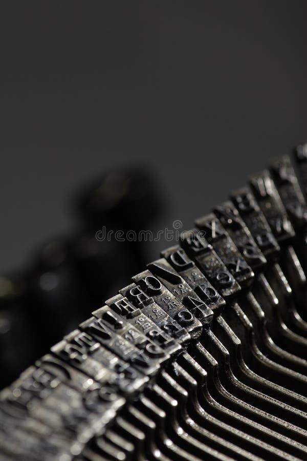 Download Gammal skrivmaskin arkivfoto. Bild av antikviteten, linjer - 509324