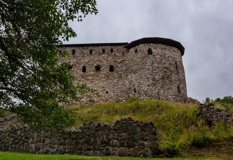 Gammal slott i Finland, Raseborg slott royaltyfri fotografi