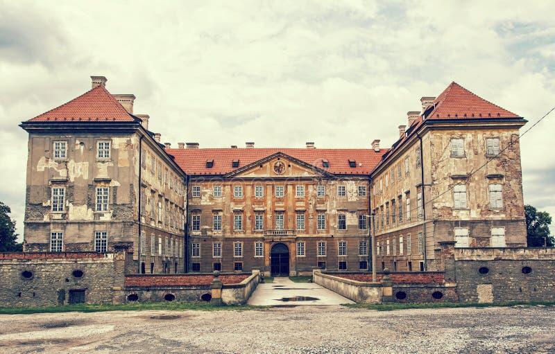 Gammal slott i Holic, Slovakien, retro fotofilter arkivfoton