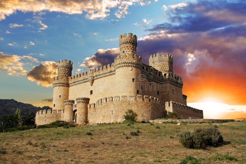 Gammal slott i spännvidden - Manzanares royaltyfria foton