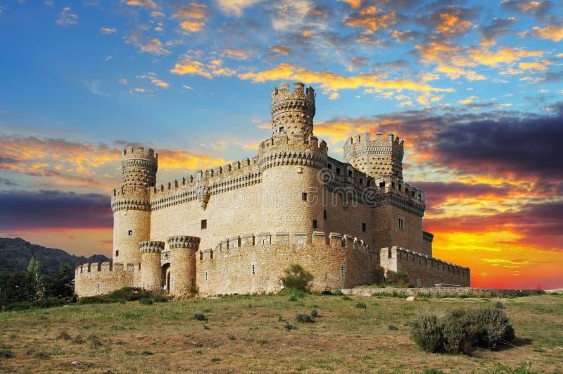 Gammal slott i spännvidden - Manzanares royaltyfri foto
