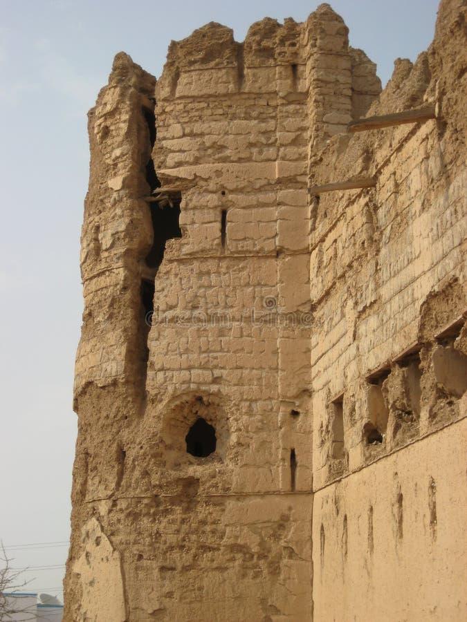 Gammal slott i sultanaten av Oman royaltyfri fotografi