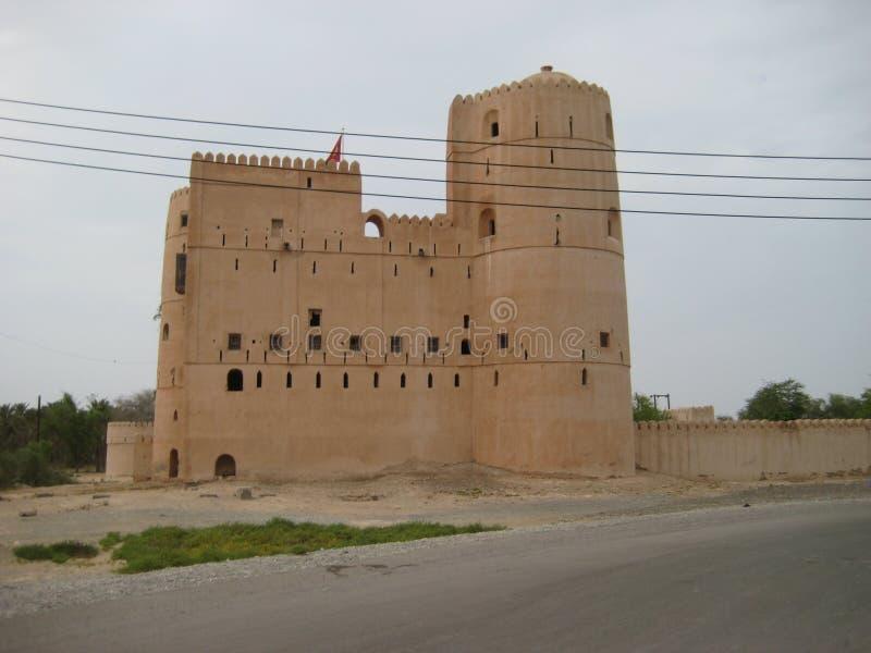 Gammal slott i sultanaten av Oman royaltyfri bild