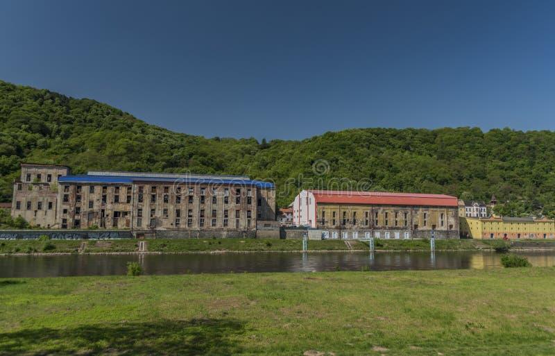 Gammal sockerfabrik i den Usti nad Labem staden royaltyfri fotografi