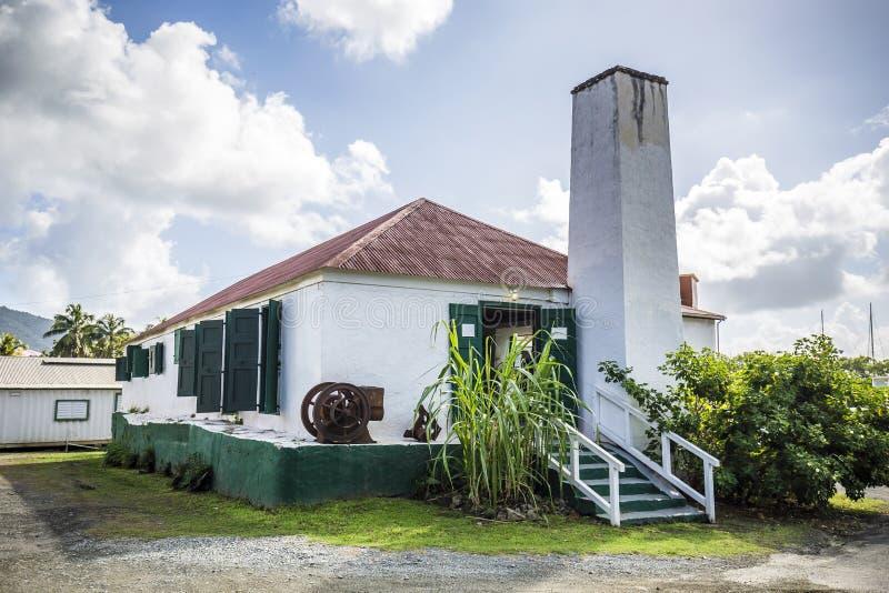Gammal sockerlantgård i vägstaden, British Virgin Islands arkivbild