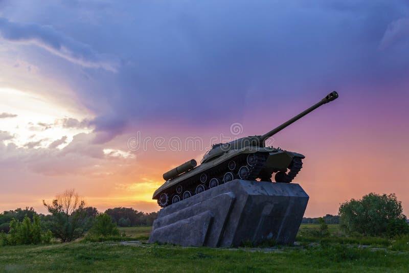 Gammal sovjetisk behållare T-34 av världskrig II arkivfoto