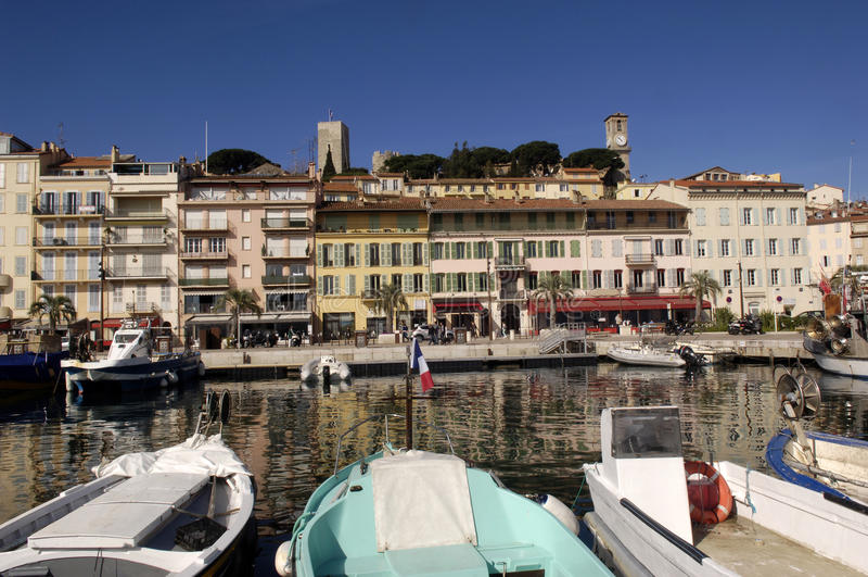 Gammal stad av Cannes, franska Riviera royaltyfri bild