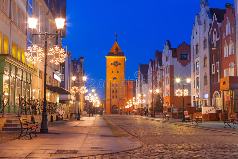 Gammal stad av Elblag på natten fotografering för bildbyråer