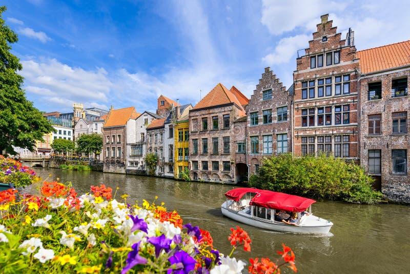 Gammal stad av Ghent, Belgien royaltyfri fotografi