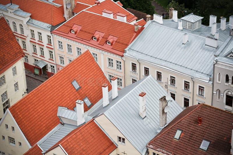 Gammal stad Estland och byggnaderna royaltyfri bild