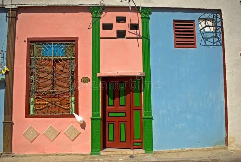 Gammal stad, havannacigarr, Kuba royaltyfria bilder