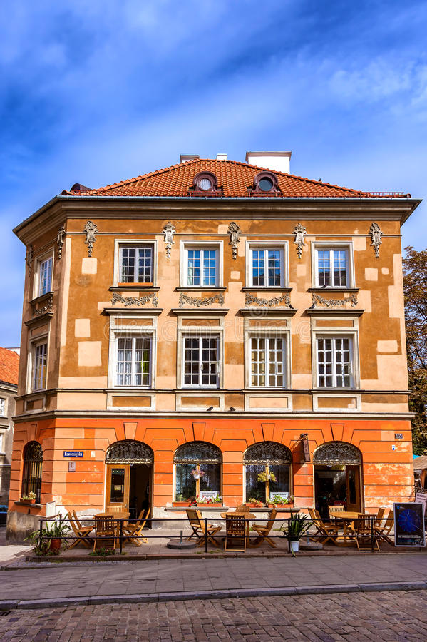 Gammal stad - Warszawa, Polen arkivbilder
