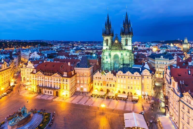 Gammal stadfyrkant i Prague, Tjeckien arkivbild