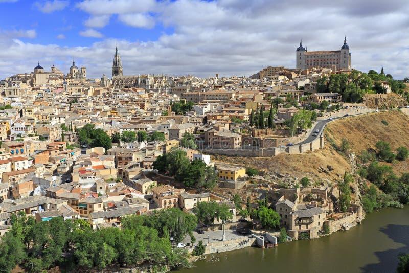 Gammal stadstadshorisont av Toledo royaltyfri foto