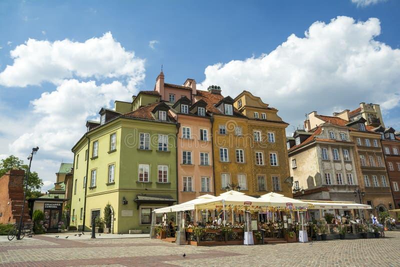 Gammal stadstirrande Miasto av Warszawa royaltyfri bild