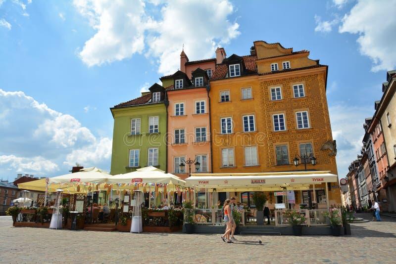 Gammal stadstirrande Miasto av Warszawa arkivfoto
