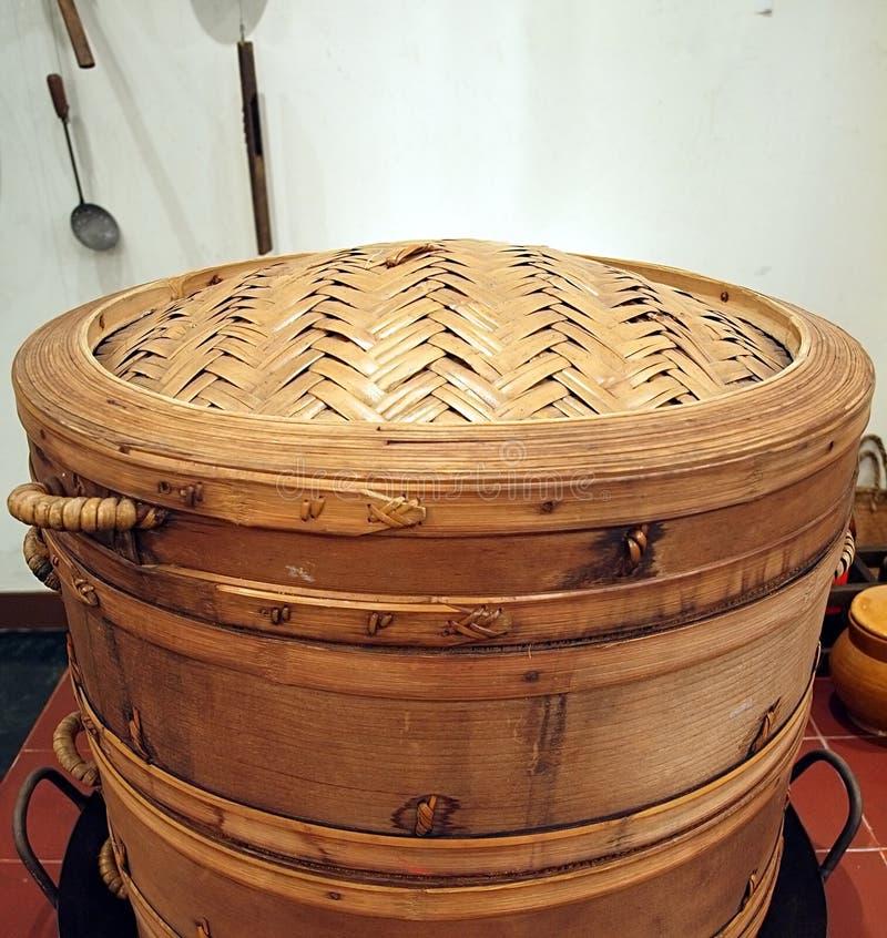 gammal steamer för bambu royaltyfria bilder