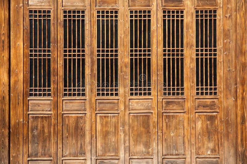 gammal stil för kinesisk dörr royaltyfri bild