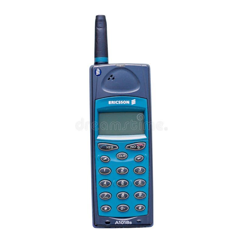 Gammal tappningEricsson A1018s mobiltelefon fotografering för bildbyråer