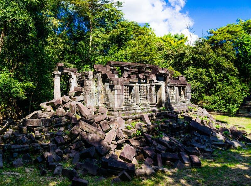 Gammal tempel av Beng Mealea arkivfoton