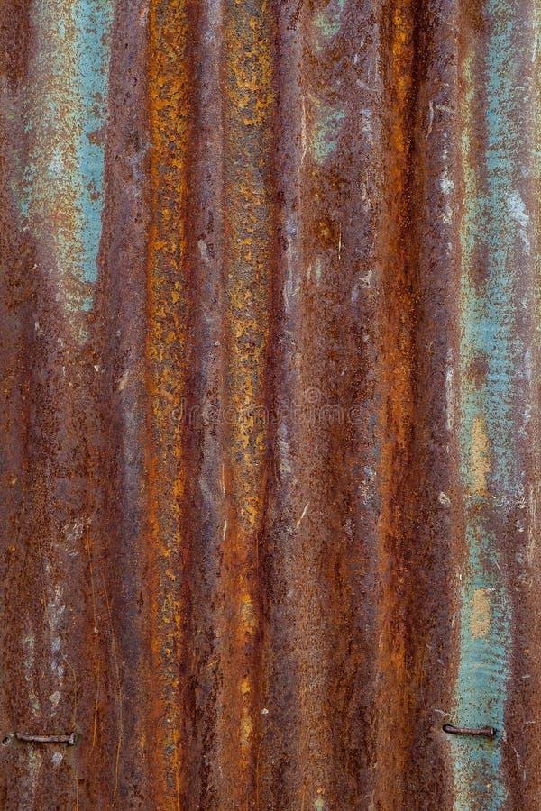 Gammal textur för tak för metallark Modell av det gamla metallarket royaltyfri fotografi