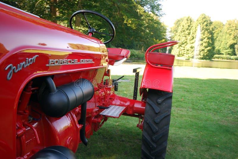 Gammal tidmätarePorsche traktor fotografering för bildbyråer