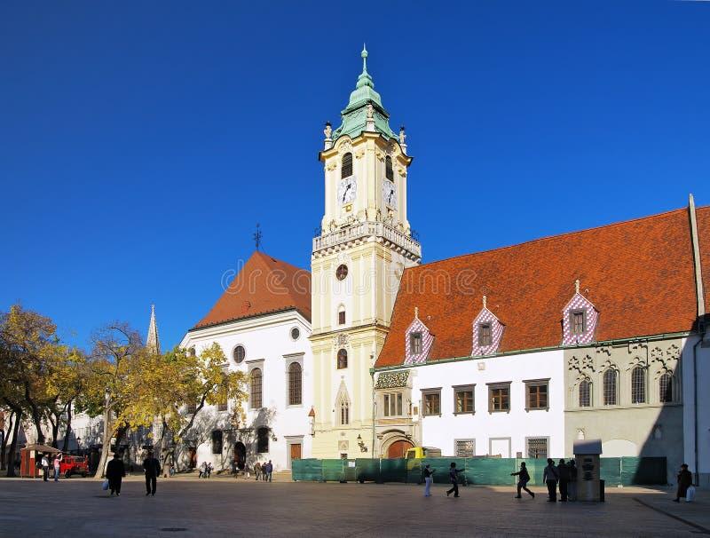 gammal town för bratislava stadshus arkivbilder