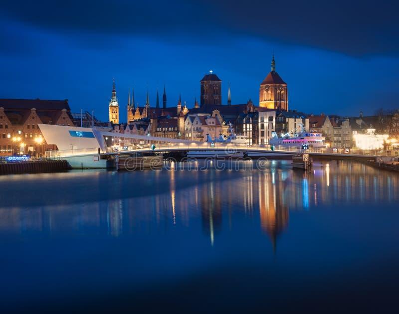 gammal town f?r gdansk natt royaltyfri foto
