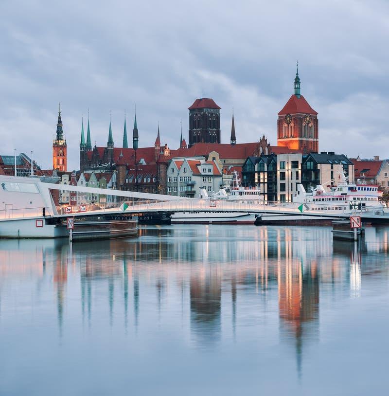 gammal town f?r gdansk natt royaltyfri bild