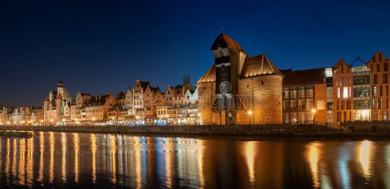 gammal town f?r gdansk natt royaltyfria bilder