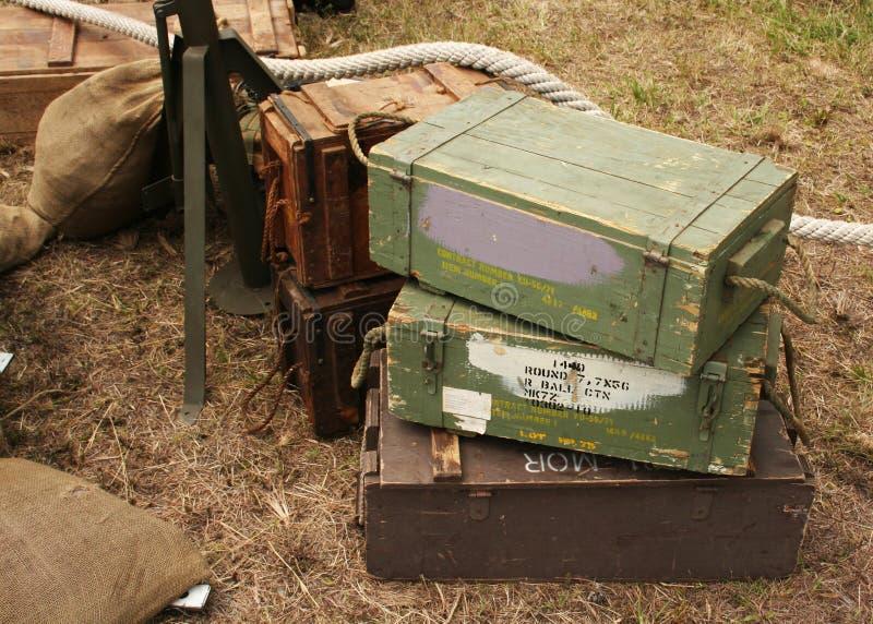 Gammal träammunitionask royaltyfri fotografi