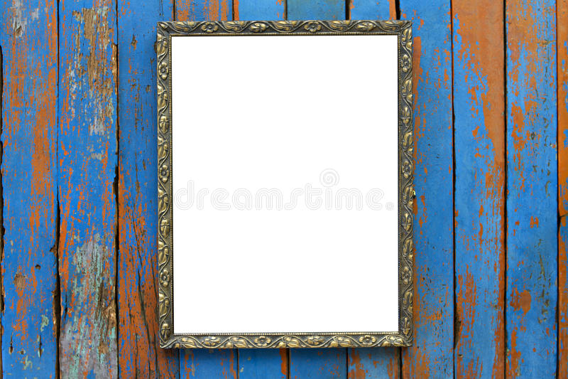 Gammal träbildram på träbakgrund royaltyfria bilder