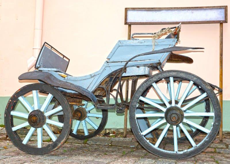 Gammal trähästvagn royaltyfri foto